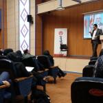 تحلیل رفتارهای وزیر امور خارجه در کنفرانس خبری زبان بدن کارگاه آموزشی تحلیل زبان بدن در حرفه خبرنگاری AkhbarRasmi journalist workshop8